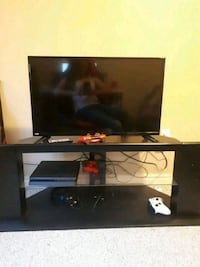 """flat screen TV with remote 32"""" Abbotsford, V4X 2R8"""