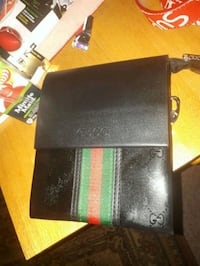 black leather bi-fold wallet Montréal, H8Z 3K8