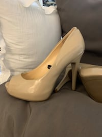 Guess nude High heels peep toe leather patent brand new Falls Church, 22046