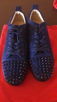 pair of blue low-top sneakers Ottawa, K1B 5A2