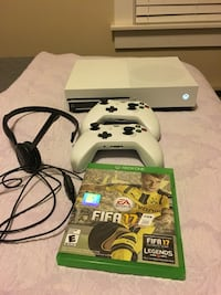 Xbox One with controllers, mic, and fifa 17 Fruit Heights, 84037
