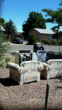 white and gray floral fabric sofa set Prescott Valley, 86314