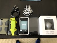 iPod touch 32gb w/ speaker bundle North Vancouver, V7R 2N6