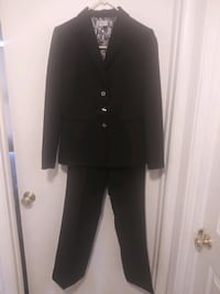 2 price woman's pant suit Silver Spring, 20904