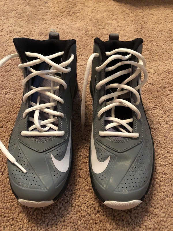 f49ab2ff527 Used Boys Nike shoes for sale in Lancaster - letgo