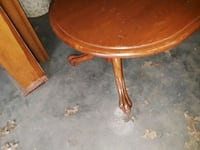 round brown wooden pedestal table Kennedale, 76060