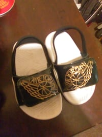 pair of black-and-white sandals Fresno, 93722