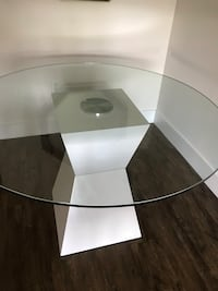 Dining table white Los Angeles, 90028