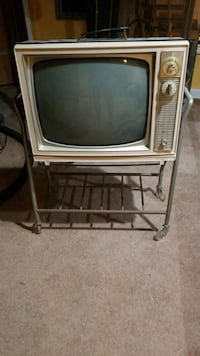 Antique zenith tv and stand Acushnet, 02743