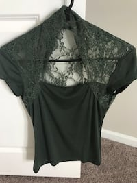 Green lace top Denver, 28037