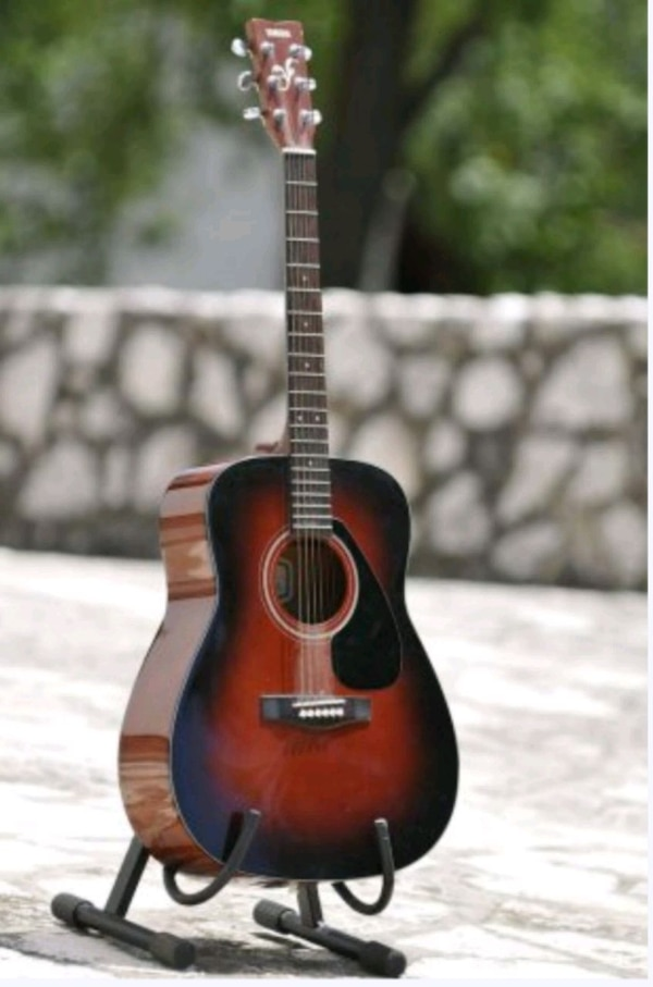 YAMAHA FG-412 VS acoustic guitar. 4