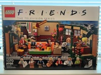 BNIB LEGO Friends Central Perk Cafe Vancouver