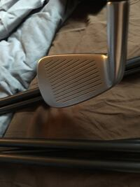 Taylormade R9 irons Langley, V3A 2C5