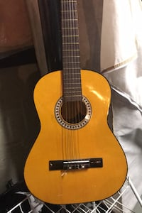 Acoustic guitar  Mississauga, L5M 3P9