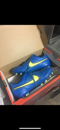 Nike Jr: Support Tempo Blue Soccer Running Shoes for Boys Calgary, T2A 2A8