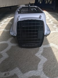 Small cat or dog carrier  Brampton, L6S 3L3