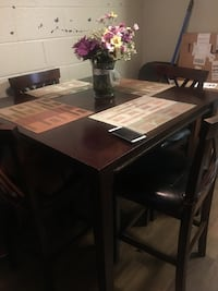 Dining room table and 4 chairs Mesa, 85203