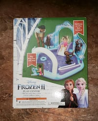 Frozen 2 Play Center / Pool (NEW)