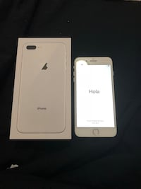 Silver iphone 7 plus with box Chicago, 60623
