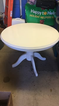 Round white dining table only Charleston, 29412