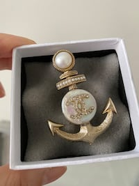 Chanel anchor brooch  Markham, L6C 0Y2