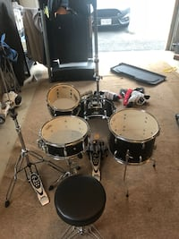 4 piece drum set with hi hat stand and kick pedal  Round Hill, 20141