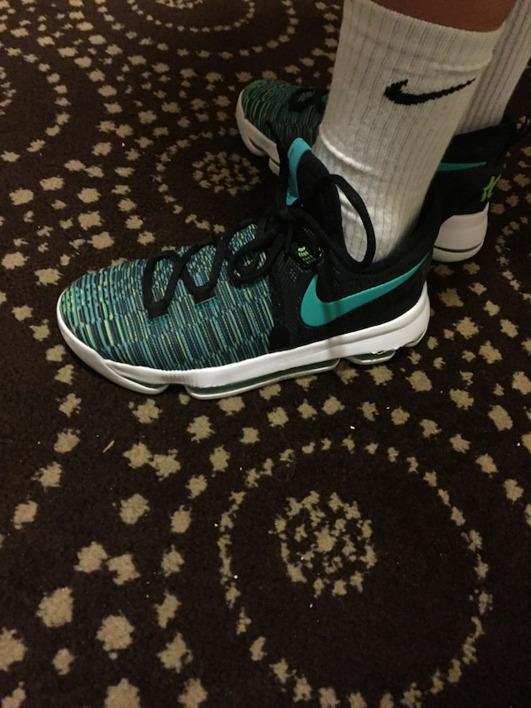 f846cb99d87 Used KD 9 size 4 for sale in Sunny Isles Beach - letgo
