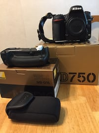 Nikon D750 with battery grip 505 mi