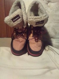 Canadiana winter boots Calgary, T2B 2C7