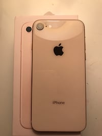 Selling unlocked 64GB Apple iPhone 8 Mint Condition 556 km