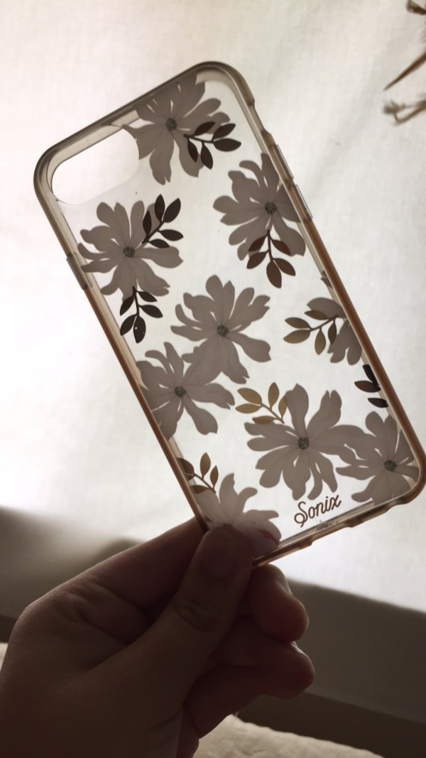 White and gold floral iPhone 6/6s case
