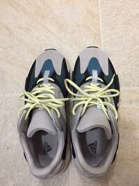 Yeezy 700 waverunner  North Saanich, V8L