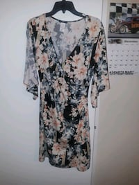 white and black floral scoop neck long sleeve dress Austin, 78758