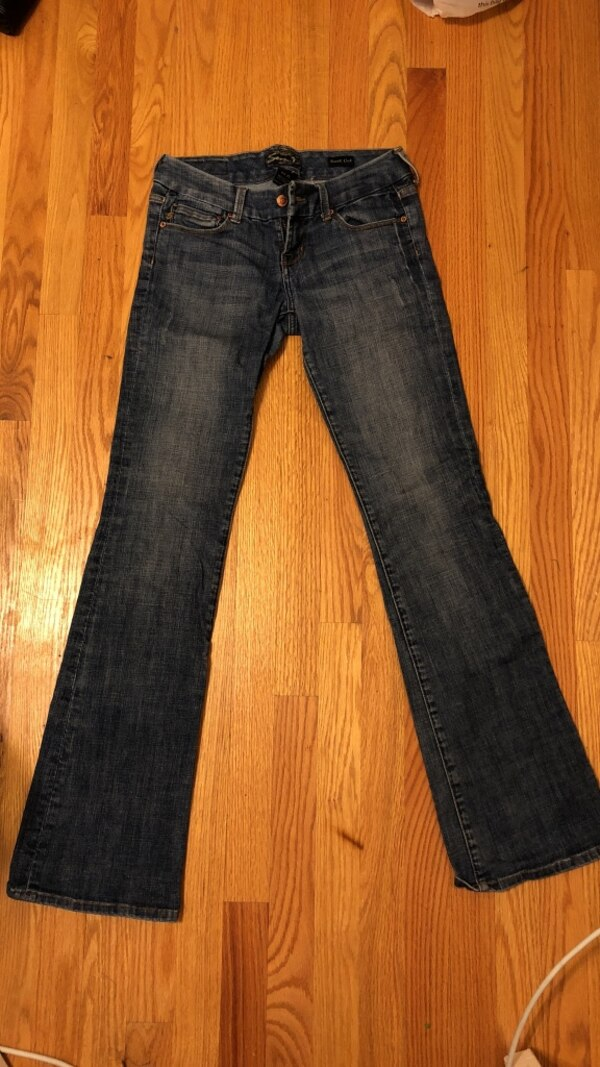 4848d1630 Used Seven jeans bootcut size 25 for sale in Arlington - letgo