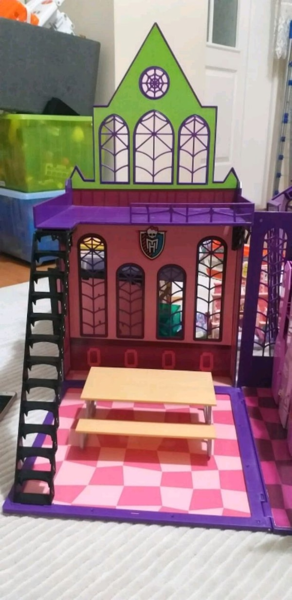 Monster high evi 463f4fc0-2ab8-4638-8542-7343033b716b