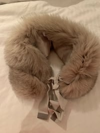 Max Mara authentic fox fur collar Toronto, M6J 3B3