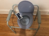 Commode Chair with Adjustable Height New York, 11432