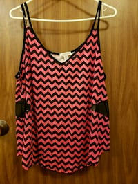 Pink and black tank top Joliet, 60432
