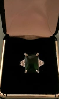 925 sterling silver Emerald cocktail ring Palmdale, 93550