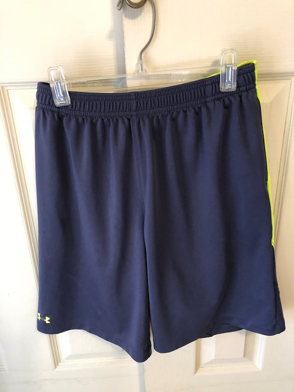 UNDER ARMOUR BOYS SZ LARGE SHORTS & NIKE DRI FIT SZ LARGE POLY SHIRT 9bc5e8ee-1bf0-4aff-a4b6-982938ddbd12
