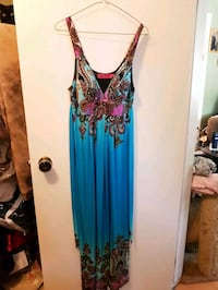 Long summer dress size 10 has padded bra Winnipeg, R2J 0M3