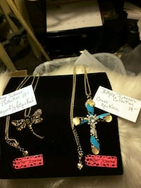 NEW   Betsey Johnson collection necklaces 10$