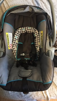 baby's gray and black car seat carrier Dover, 19904