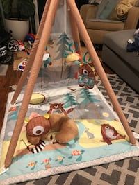 hop skip tepee play mat and toys Los Angeles, 90064