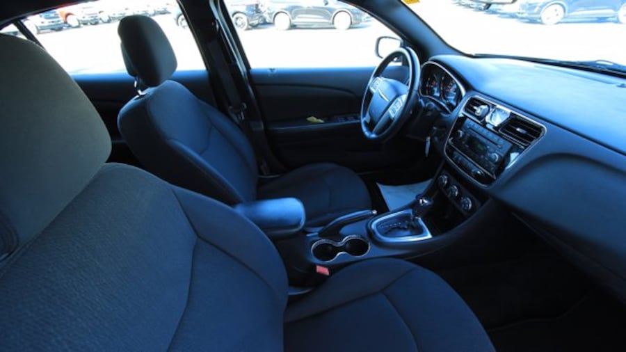 2014 Chrysler 200 Touring / ACCIDENT FREE / HEATED SEATS / REMOTE ST 3126815d-8030-4405-bd19-a3fdcb599d93