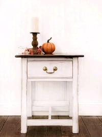 Farmhouse Style End Table  Aldie, 20105