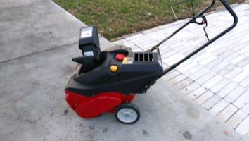 SNOW BLOWER BARELY USED