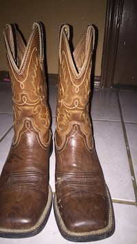 Pair of brown leather cowboy boots McAllen, 78501