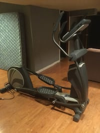 Elliptical     (like new )- Healthrider H95e reardrive folding space saver design Stamford, 06903