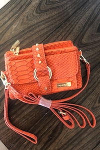 Orange women clutch Markham, L3T 7N2